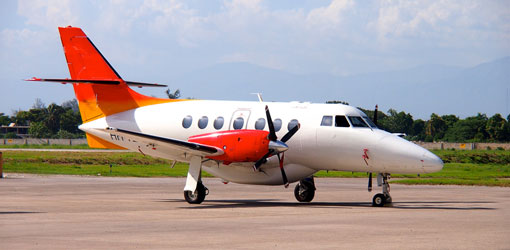 Piper PA 32-300 for private flights (VIP) from the El Catey Samaná airport