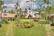 Exterior view, entrance and garden, Villa Ocean Lodge, Los Nomadas, beachfront