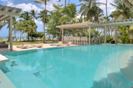 Exterior view and swimming pool, Villa Ocean Lodge, Los Nomadas, beachfront